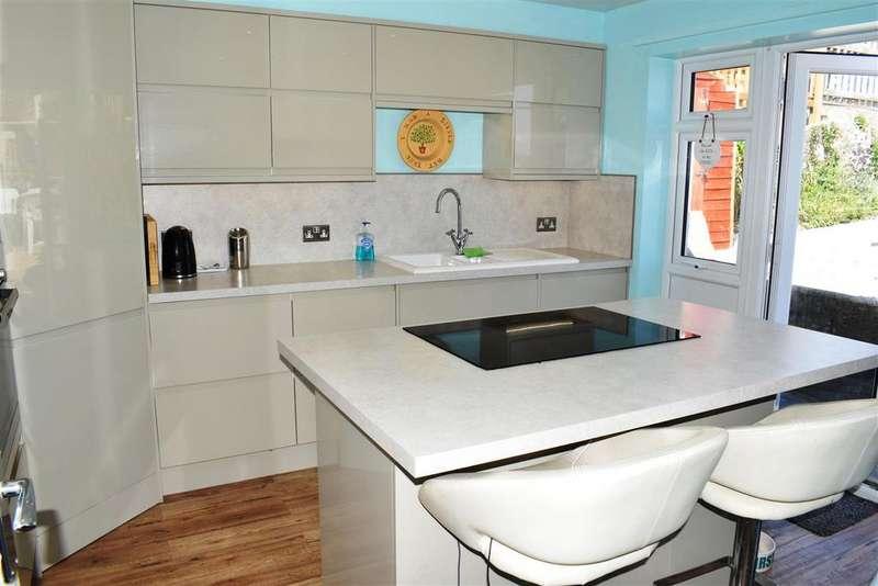 2 Bedrooms Detached House for sale in Ravelin Manor Road, Barnstaple