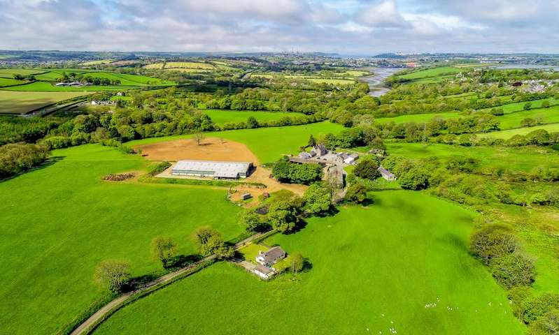4 Bedrooms Farm Commercial for sale in Cosheston, Nr Pembroke, Pembrokeshire, SA72