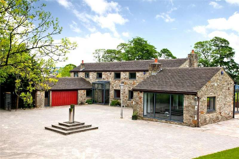 4 Bedrooms Detached House for sale in Pleckgate Road, Blackburn, BB1