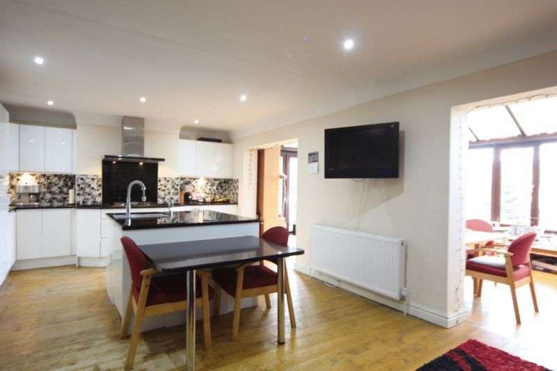 3 Bedrooms Property for sale in Mill Road, Thingwall, Wirral