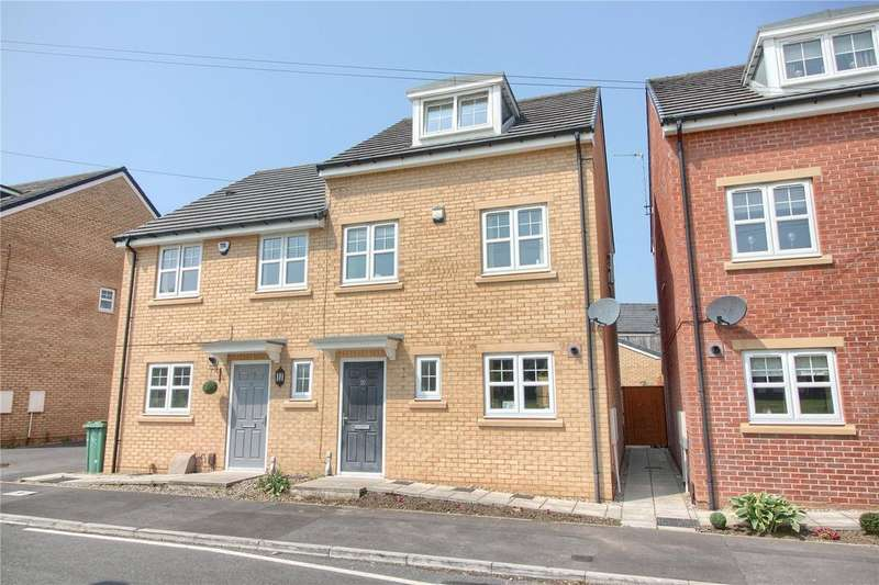 3 Bedrooms Semi Detached House for sale in Scafell Green, Thornaby