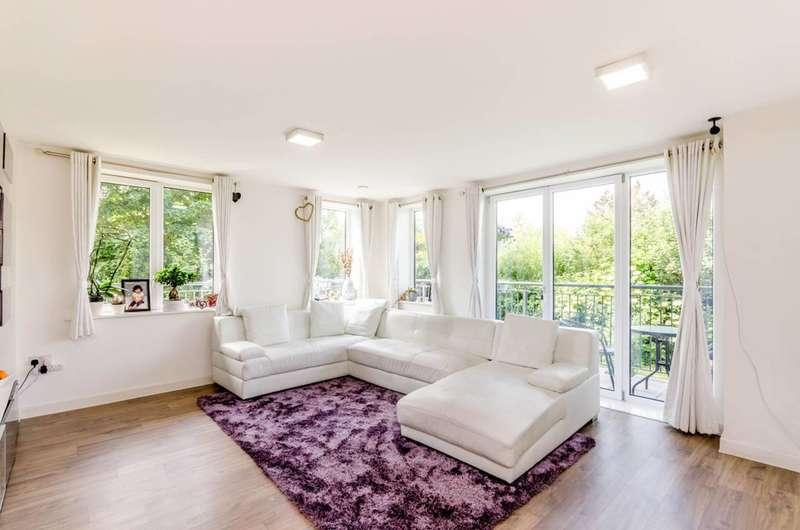 2 Bedrooms Flat for sale in Dock Meadow Reach, Ealing, Ealing, W7