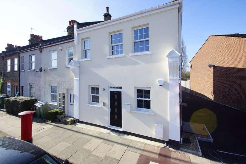 2 Bedrooms Flat for sale in Green Lane, London, SE9