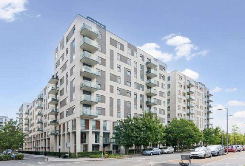 3 Bedrooms Flat for sale in Honour Lea Avenue, Stratford, London. E20