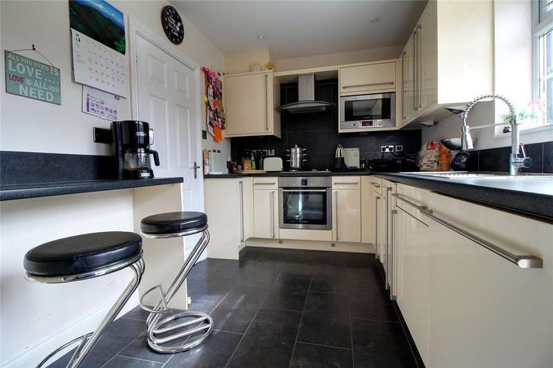 2 Bedrooms House for sale in Landrake Crescent, Reading, Berkshire, RG2
