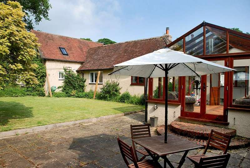 3 Bedrooms Cottage House for sale in Pound Lane, Burley, Ringwood, BH24