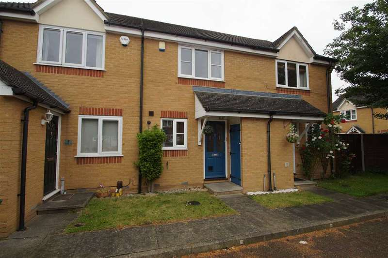 2 Bedrooms Terraced House for sale in Trumper Way, Cedar Park, Cippenham
