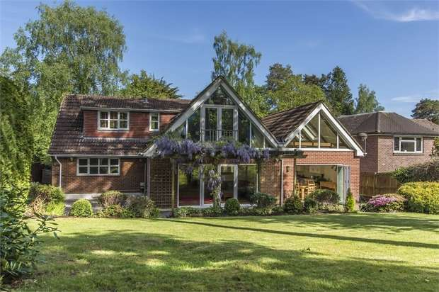 5 Bedrooms Detached House for sale in Malcolm Road, Chandler's Ford, Eastleigh, Hampshire