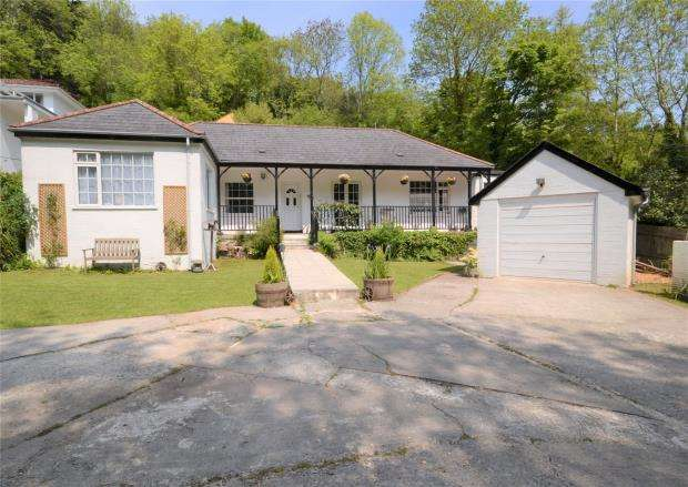 4 Bedrooms Detached Bungalow for sale in Langreek Lane, Polperro, Looe, Cornwall