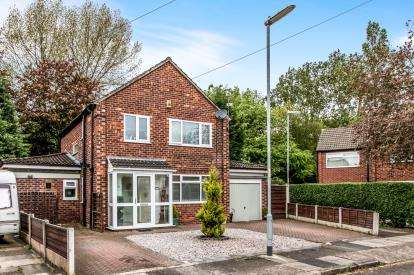 3 Bedrooms Detached House for sale in Biddall Drive, Baguley, Manchester, Greater Manchester