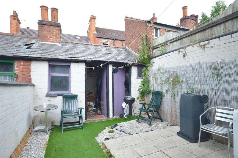 3 Bedrooms Terraced House for sale in Horton Street, Lincoln