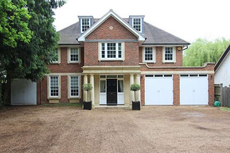 5 Bedrooms Detached House for sale in How Lane, Chipstead