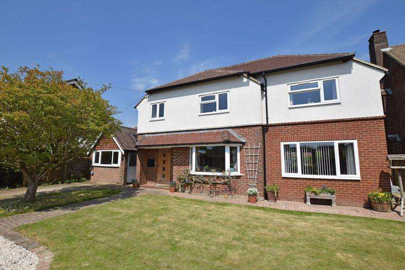 4 Bedrooms Detached House for sale in Poundfield Road, Crowborough, TN6