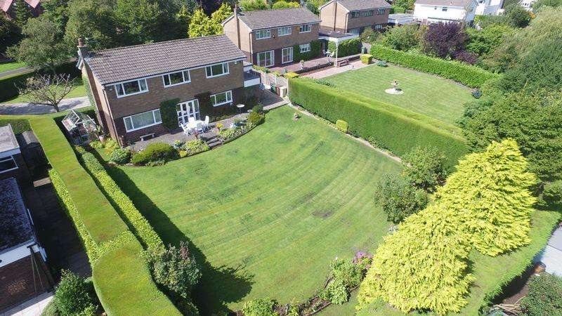 4 Bedrooms Detached House for sale in Shurdington Road, Over Hulton, Bolton, Lancashire.
