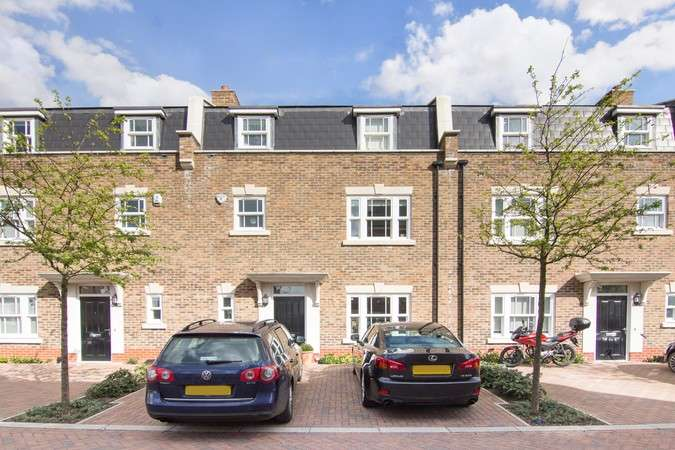 5 Bedrooms Terraced House for sale in Benkart Mews, Queen Mary's Place, London