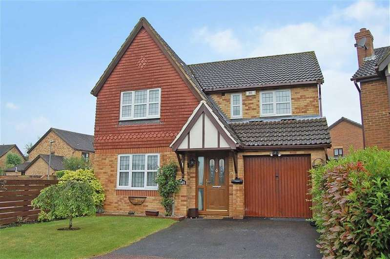 4 Bedrooms Detached House for sale in Bessemer Close, Hitchin, Hertfordshire
