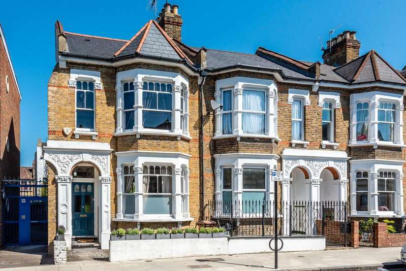 4 Bedrooms End Of Terrace House for sale in Princess May Road, London