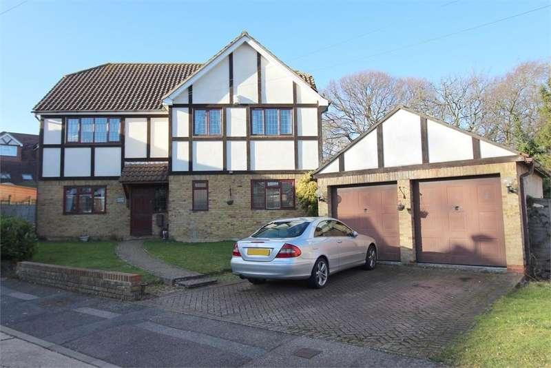5 Bedrooms Detached House for sale in Donet Close, Rainham, Kent. ME8 9NX