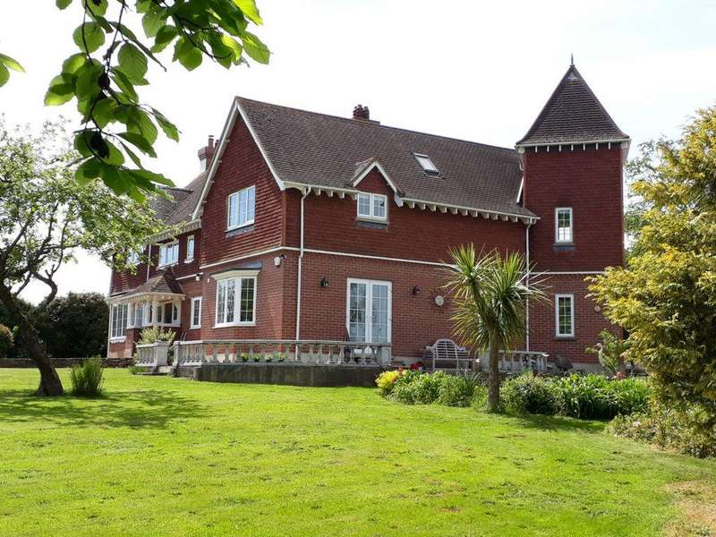 5 Bedrooms House for sale in Exeter Road, Dawlish, EX7
