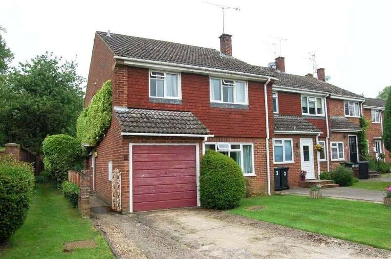 4 Bedrooms Semi Detached House for sale in Bentfield Gardens Stansted Mountfitchet