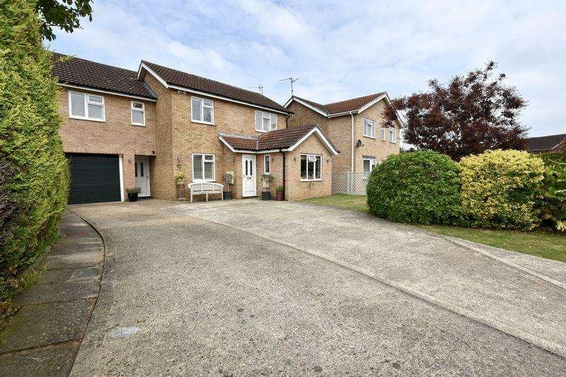 4 Bedrooms Detached House for sale in Oak Road, Stamford