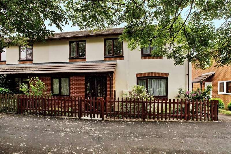 3 Bedrooms Semi Detached House for sale in Templers Road, Newton Abbot