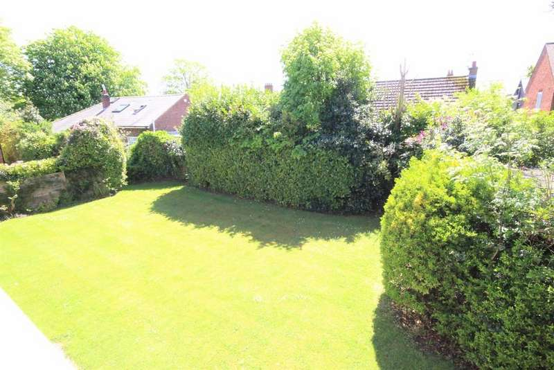 2 Bedrooms Apartment Flat for sale in Windermere House, Penwortham