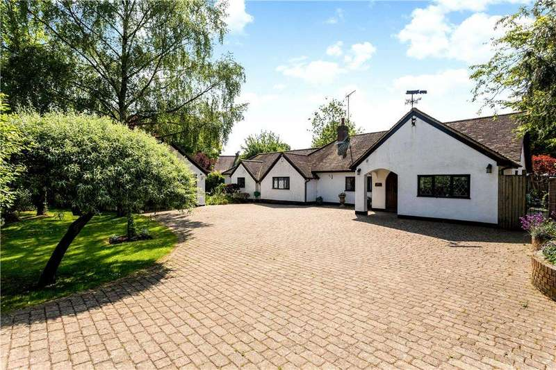 4 Bedrooms Detached Bungalow for sale in Stag Lane, Great Kingshill, High Wycombe, Buckinghamshire