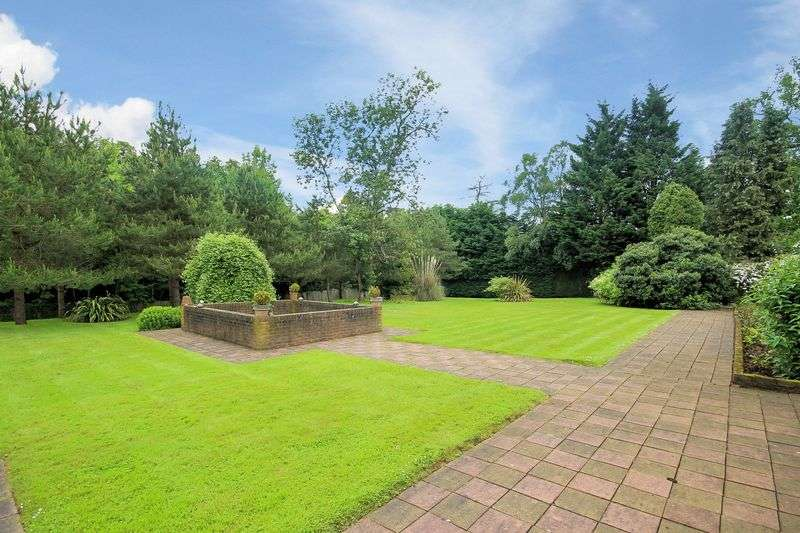 6 Bedrooms Property for sale in Bishops Walk, Shirley Hills