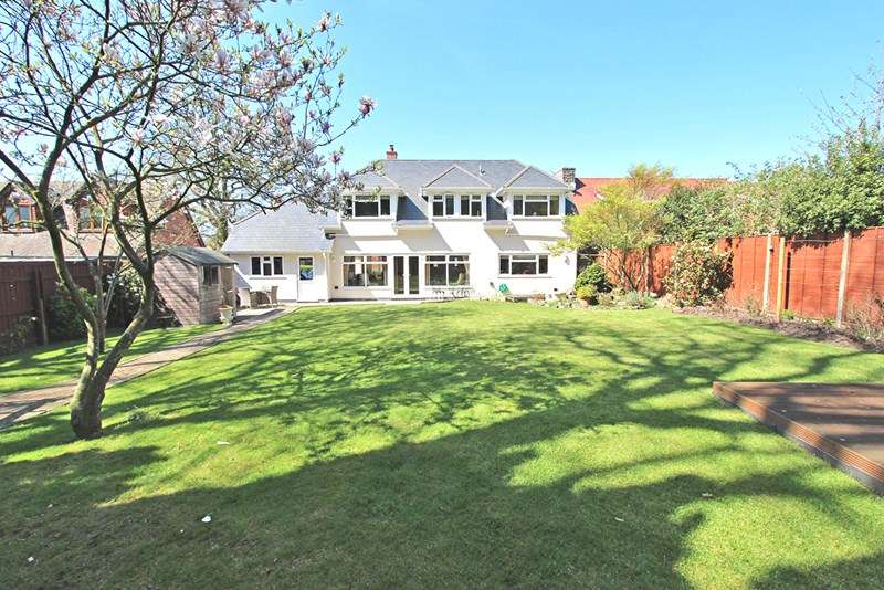 4 Bedrooms Detached House for sale in Gosport Lane, Lyndhurst