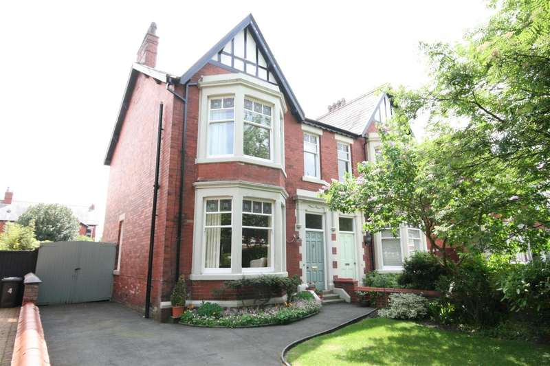 4 Bedrooms Semi Detached House for sale in West Bank Avenue, Lytham