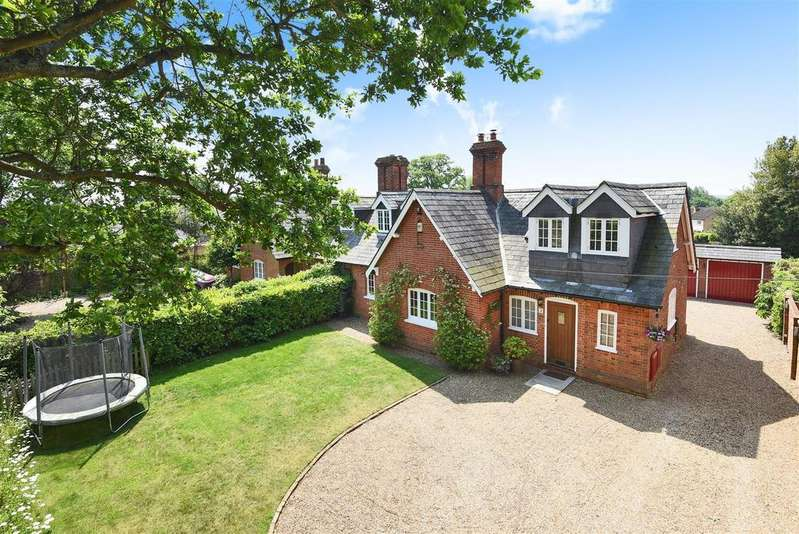 4 Bedrooms Semi Detached House for sale in Cricket Hill, Finchampstead, Berkshire RG40 3TN