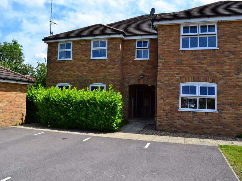2 Bedrooms Terraced House for sale in Ladbroke Close, Woodley, Berkshire, RG5