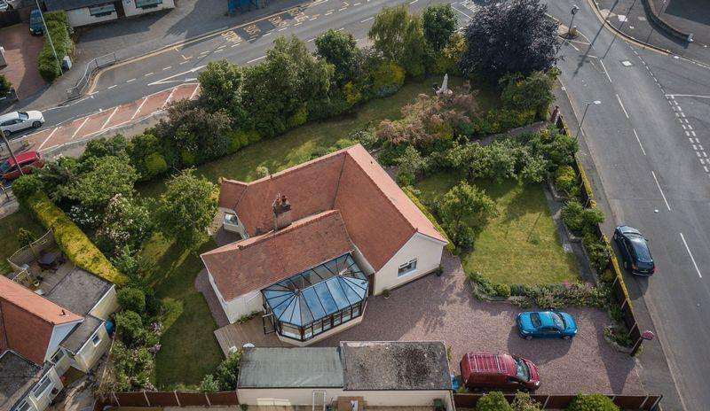 3 Bedrooms Detached Bungalow for sale in Pendyffryn Road, Rhyl