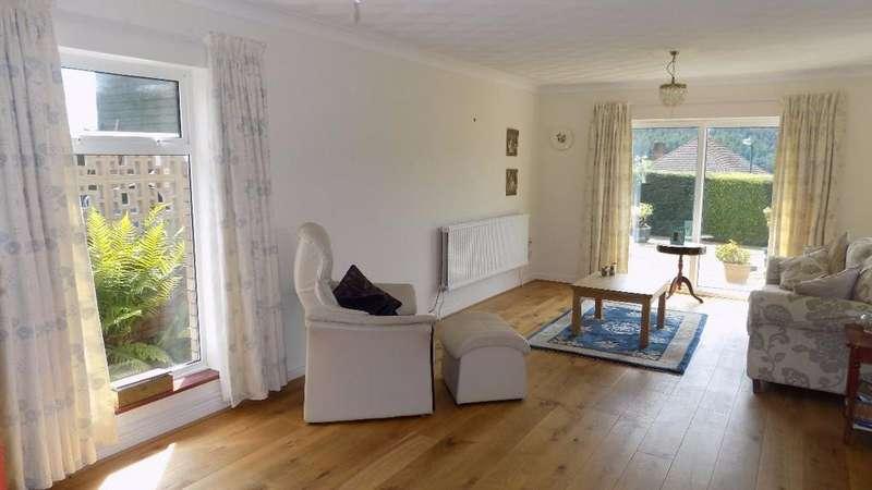 2 Bedrooms Bungalow for sale in Fairways, Cwm Farm Rd, Abertillery, NP13 2PA