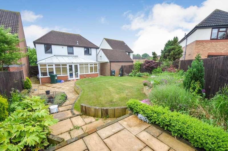 4 Bedrooms Detached House for sale in Furzton