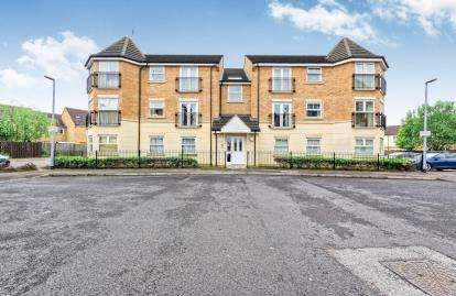 2 Bedrooms Flat for sale in Reeve Close, Leighton Buzzard, Beds, Bedfordshire