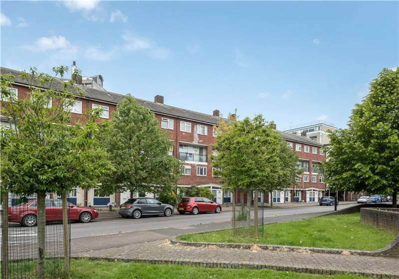 3 Bedrooms Flat for sale in Cooks Road, Walworth, London, SE17