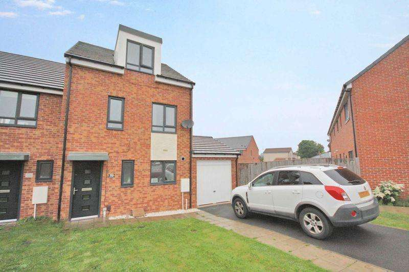 3 Bedrooms Town House for sale in Rossett Way, Redcar