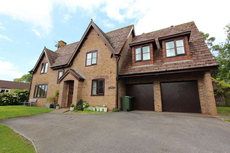 5 Bedrooms Detached House for sale in Central Wrington location, close to school