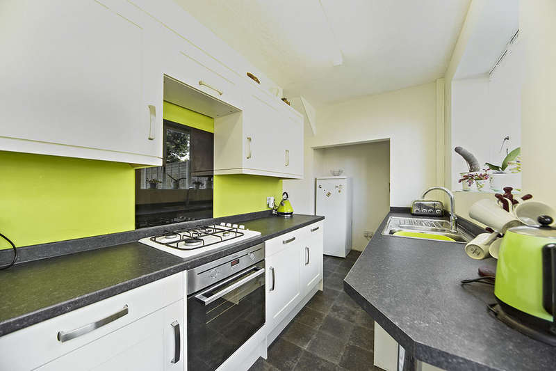 3 Bedrooms Terraced House for sale in King Alfred Avenue, LONDON, SE6