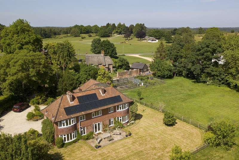 5 Bedrooms Land Commercial for sale in Beaulieu Road, Lyndhurst, Hampshire
