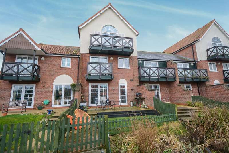 4 Bedrooms Town House for sale in Bridge Walk, Burton Waters, Lincoln