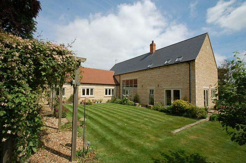 5 Bedrooms Detached House for sale in Nassington, PE8
