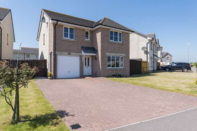 4 Bedrooms Detached House for sale in Craigleith Avenue, Portlethen, Aberdeen, AB12 4PH