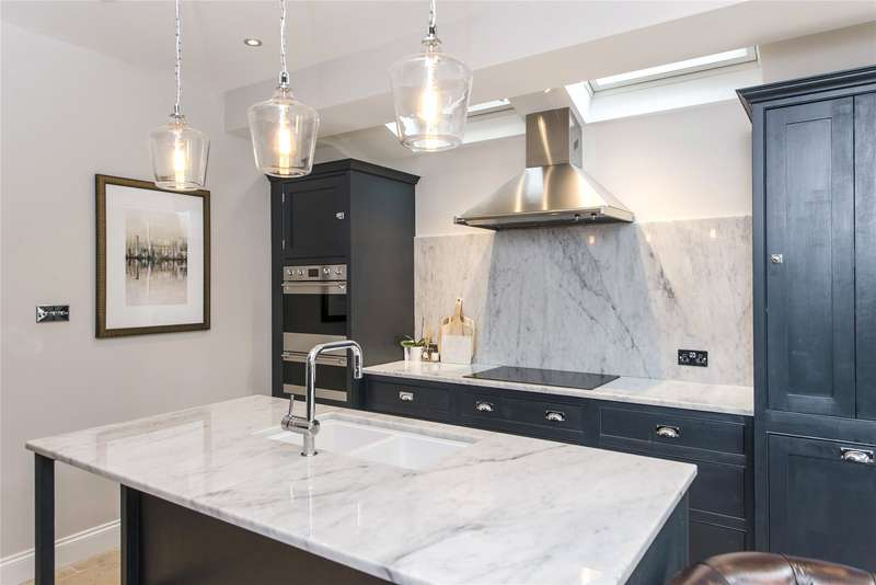 3 Bedrooms Terraced House for sale in Engadine Street, Southfields, London, SW18
