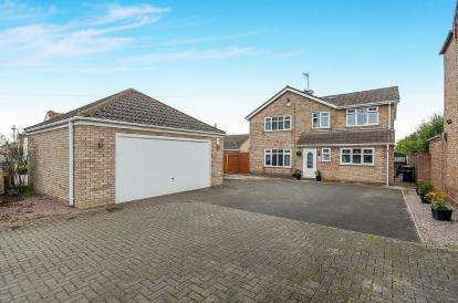 4 Bedrooms Detached House for sale in Bassenhally Road, Whittlesey, Peterborough, Cambridgeshire
