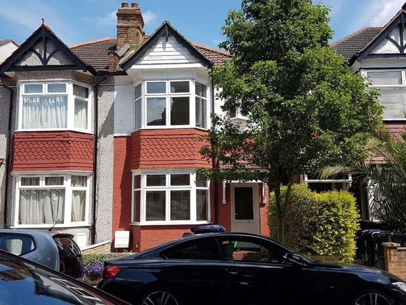 4 Bedrooms Semi Detached House for rent in Sydney Road, London