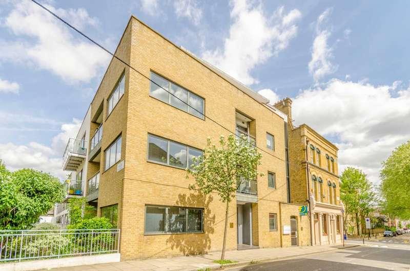 3 Bedrooms Flat for sale in Sheringham Road, Islington, N7