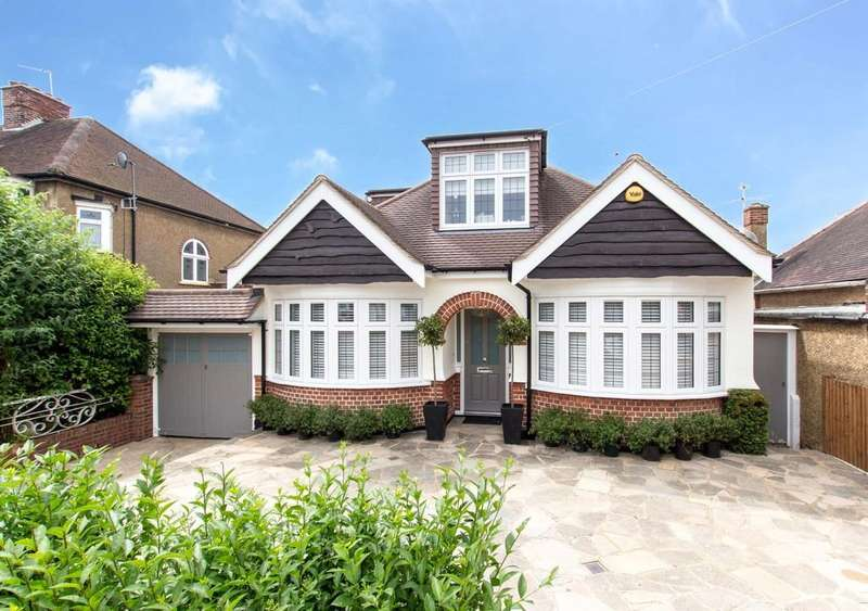 4 Bedrooms Detached House for sale in St. Margarets Road, Ruislip
